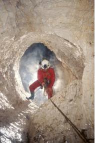 Esplorazione della grotta Govic